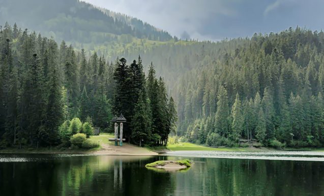 Озеро Синевир Карпаты
